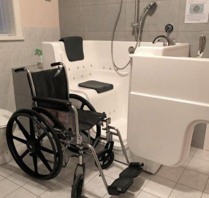 Walk-in-bath-Access-Wheelchair